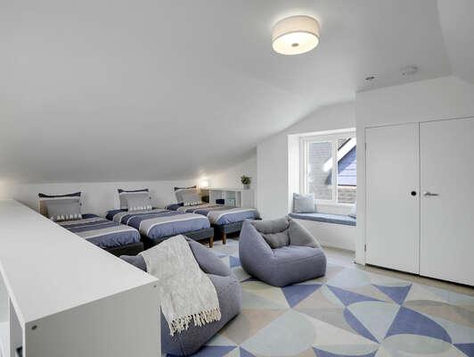 Loft w/ 3 Twin Beds & Window Seat - 3rd Floor
