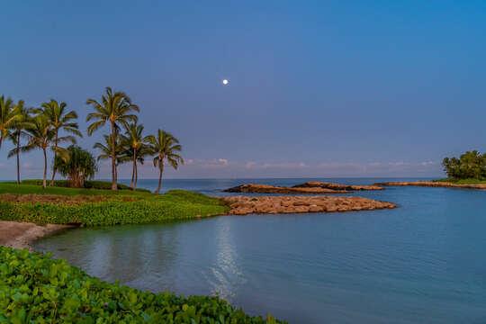 Moonset over Lagoon 1