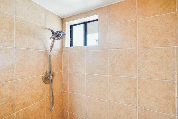 Master En-Suite w/ Shower