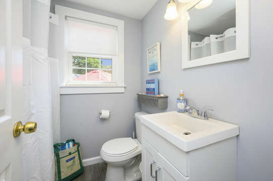 Bathroom #1 with a shower/tub combo - 113 South Street Harwich Port - Cape Cod - New England Vacation Rentals