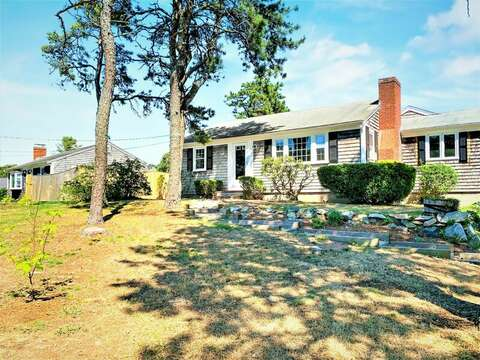 Welcome to Sunkissed - 113 South Street Harwich Port - Cape Cod - New England Vacation Rentals