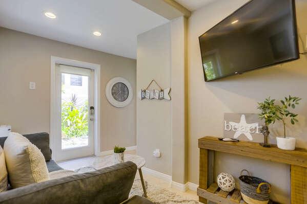 Private Studio w/ Full-sized Sleeper Sofa - 1st Floor