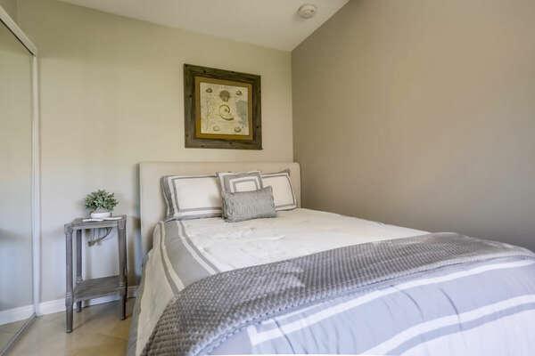 Studio Bedroom w/ Full Bed - 1st Floor