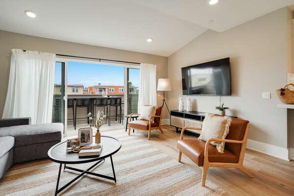 Living Room w/ Deck - 3rd Floor