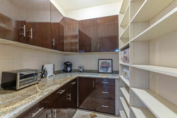 Pantry with storage space for your goodies plus the extra touches that make you feel at home.