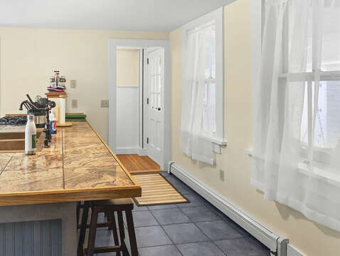 Breakfast bar for quick meals - 98 West Road Orleans Cape Cod New England Vacation Rentals