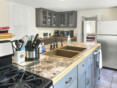 Double kitchen sinks - 98 West Road Orleans Cape Cod New England Vacation Rentals