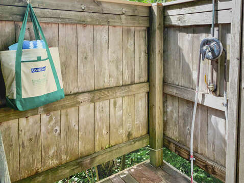 Plenty of room in outdoor shower - 98 West Road Orleans Cape Cod New England Vacation Rentals