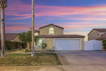 This property also features parking for 7, which includes 2 in the garage, 3 in the driveway, and 2 on the street.