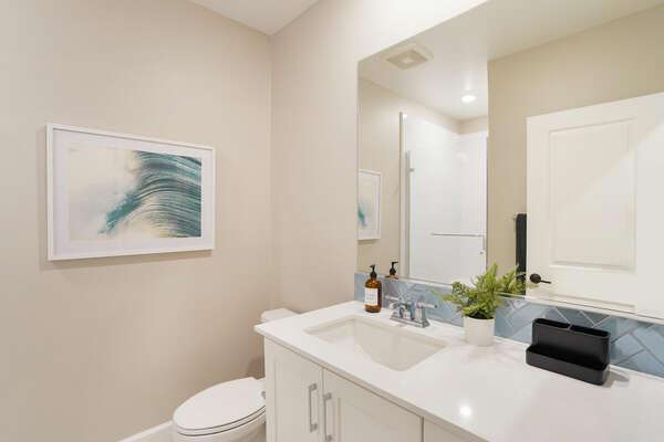 Shared Bathroom w/ Shower - 2nd Floor