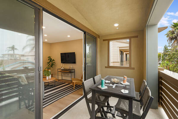 Private Deck w/ Outdoor Dining & Peek-A-Boo Bay Views - 2nd Floor