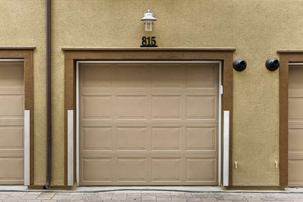 Tandem Garage - Exterior