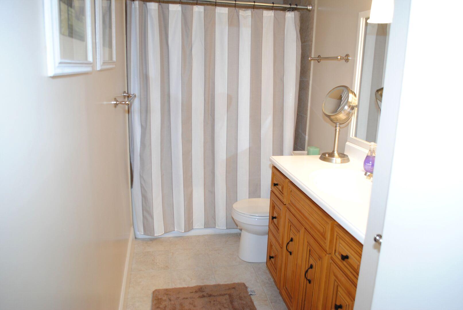 2 Fulls Bathroom - Downstairs